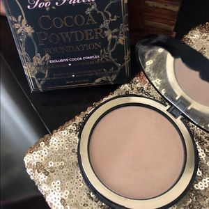 Too Faced cocoa Powder Foundation light shade